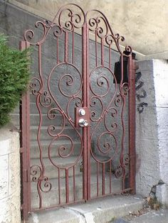 Gate Designs Modern, Modern Design, Wrought Iron Doors, Front Gates, Kitchen Designs, Fences, Architecture, Furniture, Home Decor