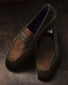 George Cleverley bespoke Shoes in olive green alligator & tan buckskin