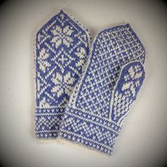 Ravelry: Project Gallery for Northman Mittens pattern by David Schulz Mittens Pattern, Knit Mittens, Knitted Gloves, Knitting Socks, Knitting Stitches, Hand Knitting, Knitting Patterns, Fair Isle Pattern, Fair Isle Knitting