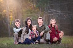 Family of 5 pose. Big Family Photos, Family Picture Colors, Family Of 6, Outdoor Family Photos, Family Picture Poses, Family Picture Outfits, Family Photo Sessions, Mini Sessions, Christmas Pictures Outfits