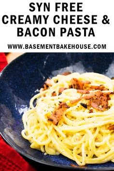 This indulgent Syn Free Creamy Cheese and Bacon Pasta is the perfect Slimming World meal to use your Healthy Extra A.enjoy it totally guilt free! Slimming World Dinners, Slimming World Recipes Syn Free, Slimming World Diet, Slimming Eats, Slimming Word, Slimming World Noodles, Slimming World Pasta Dishes, Slow Cooker Slimming World, Bacon Recipes