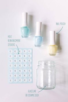 The best DIY projects & DIY ideas and tutorials: sewing, paper craft, DIY. DIY Gifts Ideas 2017 / 2018 DIY painted glass with a polka pattern -Read Bottles And Jars, Glass Jars, Mason Jar Crafts, Mason Jars, Diy Projects To Try, Craft Projects, Craft Ideas, Ideias Diy, Blog Deco