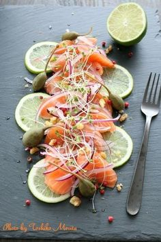 Quick Healthy Breakfast Ideas & Recipe for Busy Mornings Seafood Recipes, Gourmet Recipes, Cooking Recipes, Healthy Recipes, Food Decoration, Food Plating, Creative Food, Food Design, Sushi Recipes