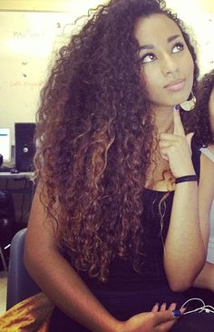 unbelievably gorgeous Pelo Natural, Natural Curls, Belleza Natural, Healthy Hair, Curly Hair Styles, Natural Hair Styles, Long Curly, Deep Curly, Hair Growing