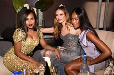 Kerry Washington, Marchesa designer Georgina Chapman, and Naomi Campbell made for a fashionable trio at the Weinstein Company's party with Netflix. (Photo: Kevin Mazur/Getty Images for The Weinstein Company)