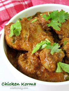 Chicken Korma (Kurma) Recipe, chicken curry made with coconut oil and with grinded fresh coconut along with a some spices, resulting in a thick creamy gravy.
