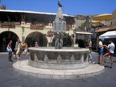 www.rhodesdiscount.com    , http://www.facebook.com/pages/%CE%A1%CF%8C%CE%B4%CE%BF%CF%82-RhodosRhodesRodos/105245556266171  #rhodes #greece #oldtown #square #knights
