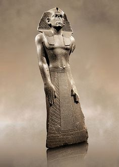 Photos of ancient Egyptian Pharoh Ahmenemhet Sculpture, from the Neues Mueseum, Berlin Egyptian Temple, Ancient Egyptian Art, Ancient Aliens, Ancient History, Pictures Images, Photos, Luxor Egypt, Ancient Artifacts, Ancient Civilizations