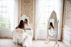 Remember the room you get ready in will also be in your photos!! If possible choose a room with character, a nice mirror and big windows.