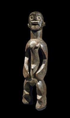 Mumuye (?) : sculpture féminine. Antérieur à 1922. Bois. British Museum. Exposition Nigeria. Arts de la vallée de la Bénoué au musée du quai Branly (Paris)