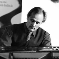 Jack Interviews Falko Steinbach German/American pianist, composer on the Jack Price Radio Show #np on #SoundCloud https://soundcloud.com/user-838050366-936435086/jack-interviews-falko-steinbach