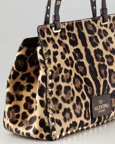 Leopard Print Accessories – How to Wear it Fall Handbags, Fashion Handbags, Purses And Handbags, Leather Handbags, Leopard Print Bag, Leopard Purse, Leopard Loafers, Leopard Fashion, Animal Print Fashion