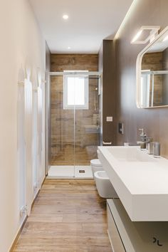 4 Good-Looking ideas: Industrial Table Cafe industrial furniture living spaces. Industrial Apartment, Industrial Bedroom, Industrial Interiors, Industrial Wallpaper, Bathroom Layout, Bathroom Interior Design, Small Bathroom, Industrial Kitchen Design, Industrial House