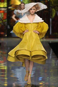 20 of our favorite luxury runway looks: Dior Spring 2009.