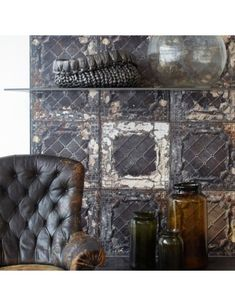 The bold Brooklyn Tin Tile 07 wallpaper by NLXL and Merci features dark & distressed large scale vintage style tiles with paint peeling effect. Tile Wallpaper, Brown Wallpaper, Wallpaper Direct, Wallpaper Decor, Modern Wallpaper, Designer Wallpaper, Brooklyn, Industrial House, Industrial Style