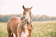 Karlie, Dillon, and Kilo Cowgirl Pictures, Pictures With Horses, Cute Poses For Pictures, Horse Photos, Cute Animal Pictures, Horse Girl Photography, Equine Photography, Animal Photography, Senior Photography