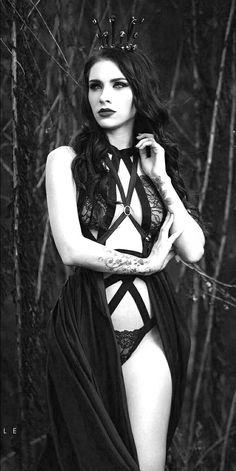 Lavernia Gothic Girls, Hot Goth Girls, Goth Beauty, Dark Beauty, Dark Fashion, Gothic Fashion, Gothic Lingerie, Chica Fantasy, Goth Model