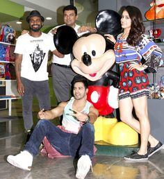 'ABCD 2' team -- Remo D'Souza, Siddharth Roy Kapur, Shraddha Kapoor and Varun Dhawan -- are all smiles for the shutterbugs while promoting 'ABCD 2' - #ABCD2. #Bollywood #Fashion #Style #Beauty #Handsome