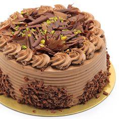 """Fıstık gibi pasta 😍Hem de #glütensiz! Glütensiz malzemelerle hazırladığımız çikolatalı pastamızın lezzeti, diğer çikolatalı pastalarımızın lezzetiyle yarışır! Ganaj krema, çikolata ve fıstıkla dolu 🧡 Glütensiz pastamız sayesinde, glütensiz yeme alışkanlıklarınızı renklendirebilir veya """"glütensiz"""" beslenme konusuyla yakından ilgilenmeye başlayabilirsiniz 👏😋 🌐Online sipariş: yagcioglupastaneleri.com Telefonla Sipariş: 0(212) 579 11 01 #YağcıoğluPastaneleri… Cake, Desserts, Food, Tailgate Desserts, Deserts, Kuchen, Essen, Postres, Meals"""