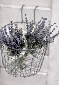 via www.interiorblogger.com/page/866/