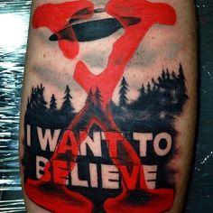 @billkeithley at the @inkedmag 2014 @nyempirestatetattooexpo x-files tattoo ufo #iwanttobelieve