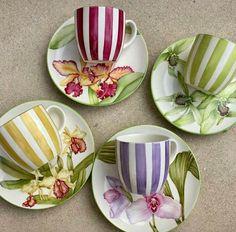 Beautiful tea set ready for hot tea? - Tea Set - Ideas of Tea Set - Beautiful tea set ready for hot tea? Pottery Painting, Ceramic Painting, Ceramic Cups, Ceramic Pottery, Pottery Vase, Tea Cup Saucer, Tea Cups, Painted Mugs, Hand Painted