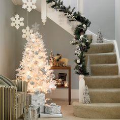 white christmas staircase decoration