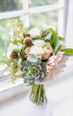 When choosing your wedding bouquet, turn to the professionals, and who better than award-winning wedding florist Emily&Me. Bride Bouquets, Flower Bouquet Wedding, Bridesmaid Bouquet, Bridesmaid Dresses, Brides And Bridesmaids, Dahlia, Beautiful Bride, Perfect Wedding, Wedding Styles