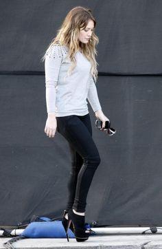 Hilary Duff wearing Prada Peep-Toe Suede Platform Ankle Boots, Vintage1 Serena Skinny Jean in Black Wax and Denimocracy Coated Moto Skinny Pant with Knee Detail.