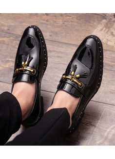 Men's patent leather slip on with buckle design on vamp, tassel. Men's patent leather slip on with buckle design on vamp, tassel. Mens Patent Leather Shoes, Leather Slip Ons, Leather Tassel, Gentleman Shoes, Groom Shoes, Mens Fashion Shoes, Shoes Men, Men Dress Shoes, Cheap Fashion