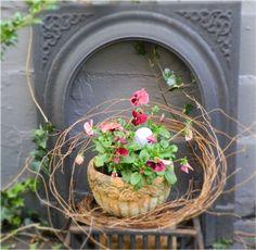 Junkaholics Unanimous: Spring in the Garden Part 1