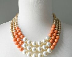 VENTE (2 à gauche!) Couleur bloc Triple Decker collier - en or/corail Mix - 3 brin collier de perles de couleur