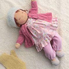 Это сплюша Нюша . Она спит за тебя , пока ты идешь на работу (в садик, школу, институт) #waldorfpuppe #waldorfdoll #taisoid #textiledoll #вальдорфскаякукла #сплюша #sleepybaby