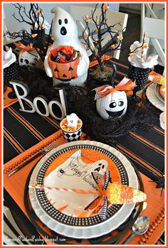 Not So Scary Halloween Tablescape