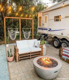 Camper Life, Rv Life, Cabana, Campsite Decorating, Decorating Ideas, Trailer Deck, Canis, Rv Homes, Camper Makeover