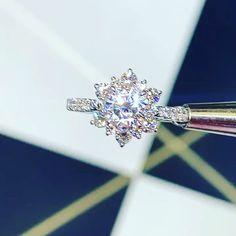 Irish Engagement Rings, Unique Diamond Engagement Rings, Engagement Ring Settings, Snowflake Engagement Ring, Brautring Sets, Rose Gold Moissanite Ring, Snowflake Ring, Bridal Ring Sets, Beautiful Rings