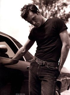 Jude Law. Sometimes simple black is perfect