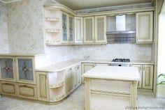 Traditional Antique White Kitchen Cabinets #20 (Kitchen-Design-Ideas.org)