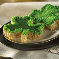 Shamrock Rice Krispie Treats...LOOKS YUMMY!