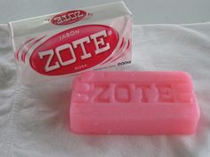 Zote is a Mexican brand of laundry soap. The pink colored laundry soap is very popular for hand washing clothes and pretreating oily stains. Buy now and get fast delivery! Zote Soap, Mexican Bar, Tips Belleza, Washing Clothes, Hand Washing, Bar Soap, Good To Know, Cleaning Hacks, Shampoo