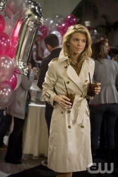 """""""Rats and Heroes""""-- AnnaLynne McCord as Naomi Clark on 90210 on The CW. Photo: Patrick Wymore/The CW ©2010 The CW Network. All Rights Reserved."""