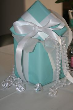 Breakfast At Tiffany's Baby Sprinkle (that's a 2nd baby shower for an already mommy-to-be)...table centerpieces
