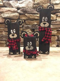 20 Christmas Crafts DIY Easy Fun Projects Unlike your work projects, Christmas projects will be so much fun because you will get to explore your imagination. In this creative endeavor, you wi… 4x4 Wood Crafts, Holiday Wood Crafts, Easy Christmas Crafts, Christmas Projects, Fun Projects, Simple Christmas, Wood Projects, Christmas Wood Block Crafts, Christmas Room