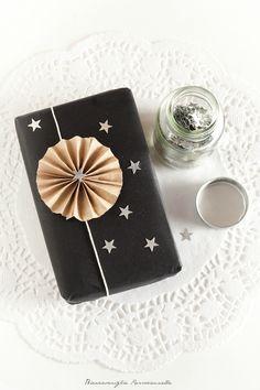 Biancavaniglia Rossacannella: Christmas Packaging