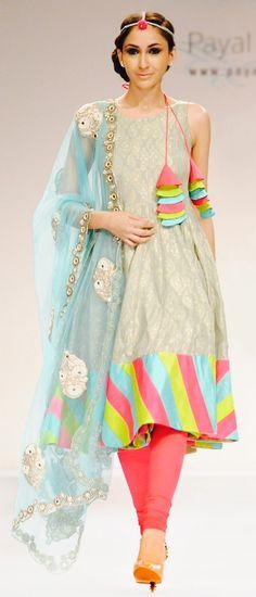 Pakistani Dresses Fashion Online in Pakistan. Pakistani Dresses, Indian Dresses, Indian Outfits, Anarkali Dress, Indian Fashion, Boho Fashion, Fashion Outfits, Fashion Design, Fashion Ideas