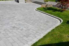 #ASAK Miljøstein #ModenaFliser Driveway Edging, Driveway Landscaping, Paving Stones, Curb Appeal, Lawn, Sidewalk, Outdoors, Gardening, Landscape