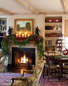 Cottage decor Vintage - 32 Amazing Christmas Home Tour To Home Decor Christmas Interiors, Christmas Living Rooms, Christmas Fireplace, Noel Christmas, Vintage Christmas, English Christmas, Christmas Mantels, Christmas Movies, Christmas Lights