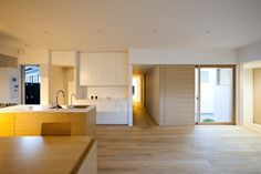 Shiiki Building is a minimalist house located in Yamaguchi, Japan, designed by Atelier Tekuto.