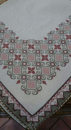 Table runner, perfect colour mix , good design, I really like it. Funny Cross Stitch Patterns, Cross Stitch Art, Cross Stitch Borders, Cross Stitch Designs, Cross Stitching, Cross Stitch Embroidery, Hand Embroidery, Embroidery Designs, Embroidery Patterns Free