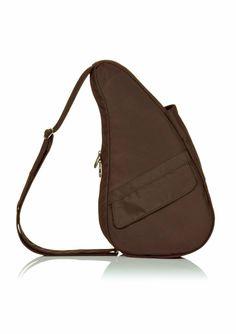 """The Healthy Back bag Microfibre Small Java  De """"Topper"""" onder de rugtassen en niet in de laatste plaats vanwege de scherpe prijs. Oersterk sportief en modieus is deze rugtas/crossover met veel binnen- en buitenvakken. De tas is ergonomisch: ontworpen om de rug te ontlasten en de druk op de nek en schouders te minimaliseren. De unieke vorm verdeelt het gewicht over de gehele rug. Alle tassen hebben een verstelbare schouderriem met anti-slip. Tevens als schoudertas te dragen. Met de rits…"""